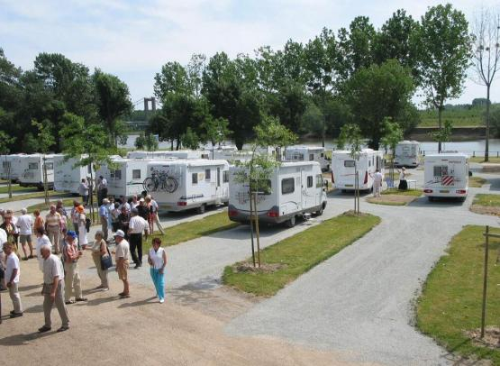 angersloirevalley-aire-camping-car-bouchemaine-4-254979_4