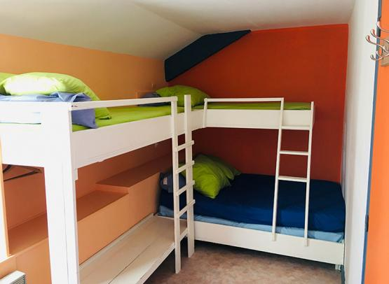 gite-avrille-chambre-orange