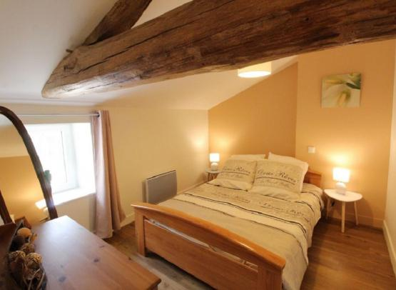 chambre2-gite-camomille-saint-georges-chemille-anjou