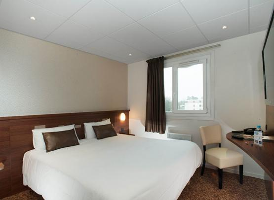 BRIT-HOTEL-LE-CHEOPS--6