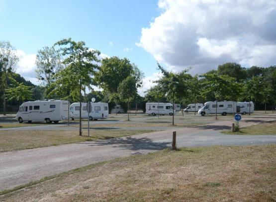 angersloirevalley-aire-camping-car-bouchemaine_2