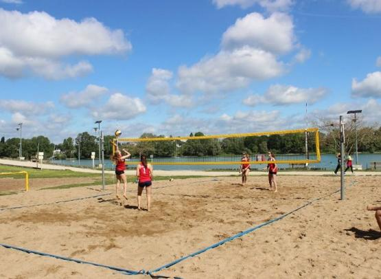 ile-charlemagne-beach-volley-baudu