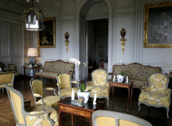 Chateau de Montgeffroy - grand salon.