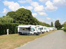 AIRE DE CAMPING CARS AMBOISE 2 - CREDITS GREGORY MILLET