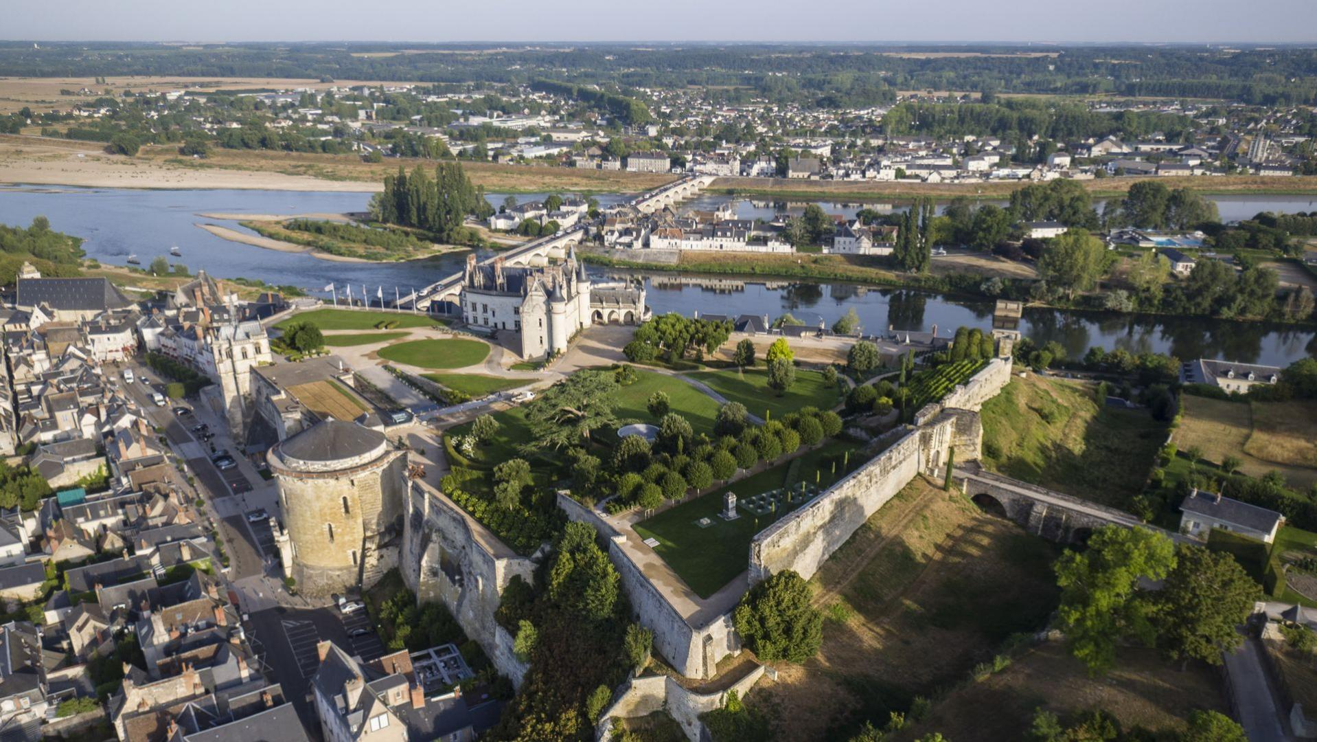 Tours Or Amboise